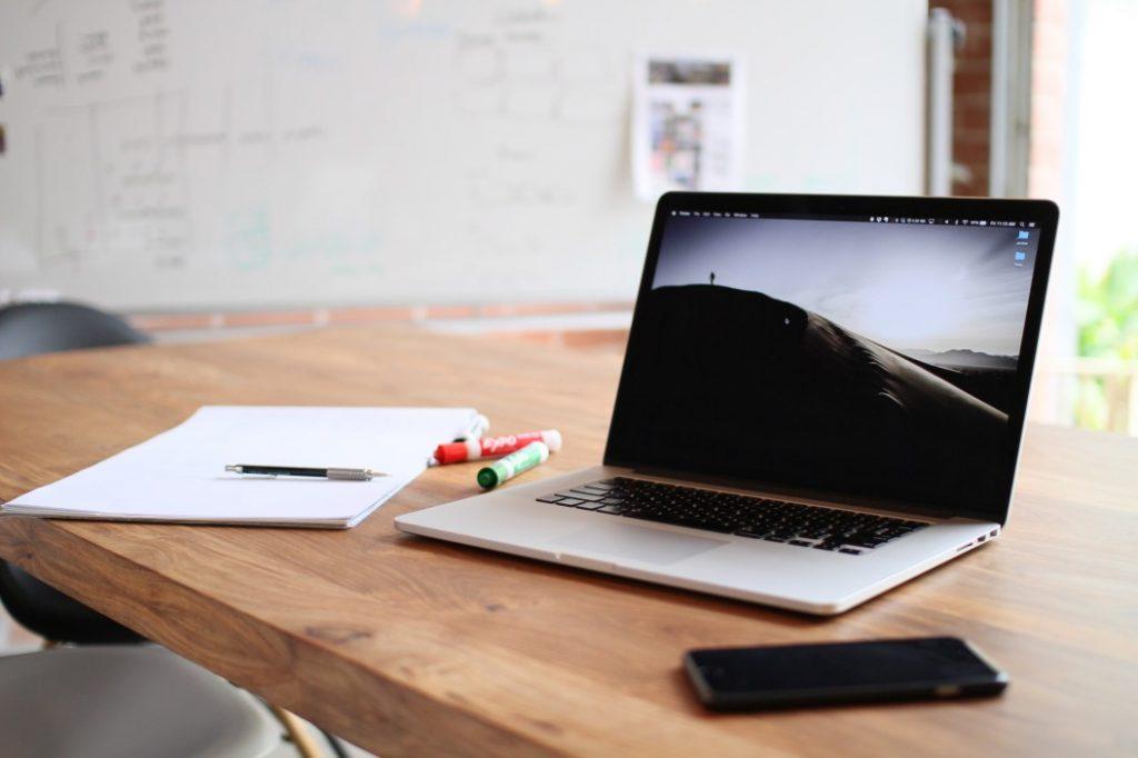 Najczęstsze usterki laptopów – czego można się spodziewać?